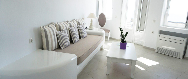 Amber Light Villa Standard Hot Tub Room - Santorini